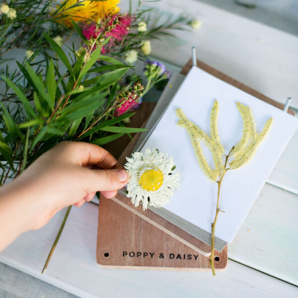 Kids eco gifts-flower press