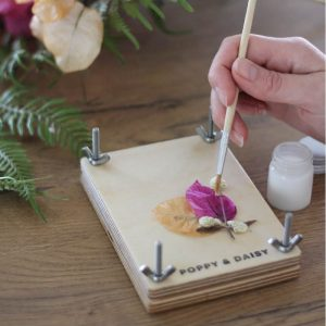 personalise your flower press 2