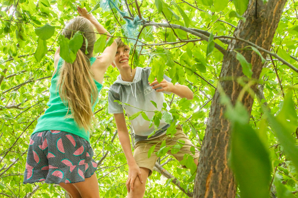 HOW DOES OUTDOOR PLAY HELP OUR KID'S GUT HEALTH? 5